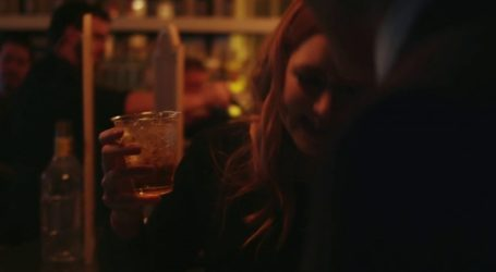 Την συνάντησαν στο μπαρ, τα ήπιαν και μετά την βίασαν