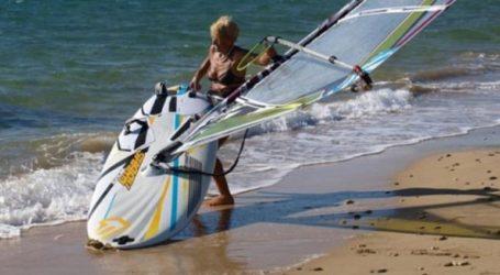 Μια 81χρονη από την Κεφαλονιά θα επιχειρήσει τον διάπλου Κυλλήνη-Σκάλα με windsurf