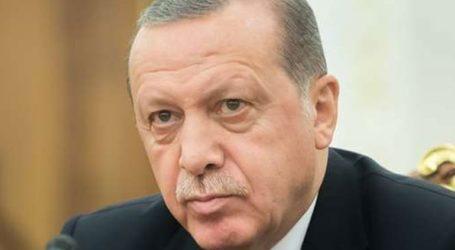 Ο Ερντογάν κατηγορεί τον Ιμάμογλου ότι ευθυγραμμίζεται με τον Γκιουλέν
