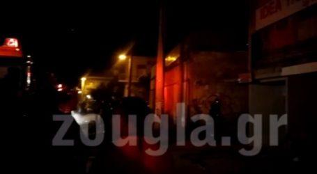 Υπό έλεγχο η πυρκαγιά που ξέσπασε σε βιοτεχνία επίπλων στον Κορυδαλλό