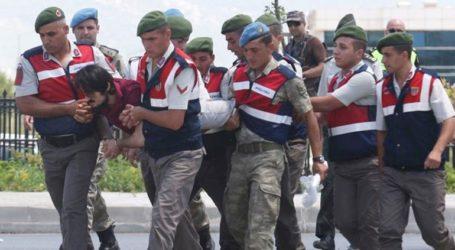 Σε 141 φορές ισόβια καταδικάστηκαν πρώην στρατιωτικοί για το αποτυχημένο πραξικόπημα στην Τουρκία