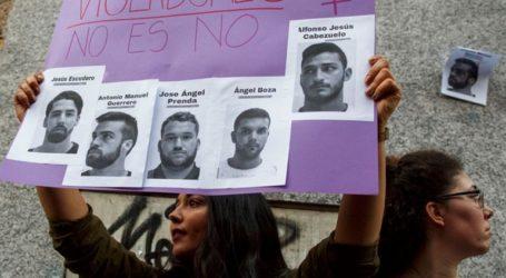 Ποινή κάθειρξης 15 ετών σε πέντε άνδρες για τον ομαδικό βιασμό 18χρονης