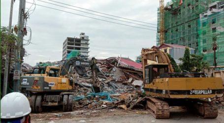 Τουλάχιστον τρεις νεκροί από την κατάρρευση ενός υπό κατασκευή επταώροφου κτιρίου