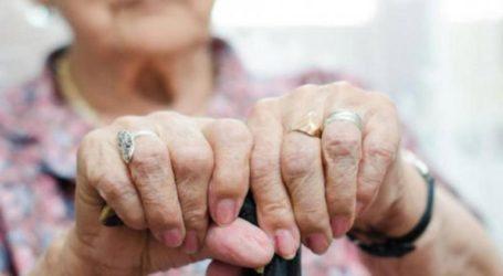 72χρονη αγκάλιασε 74χρονο για να… του κλεψει το πορτοφόλι!