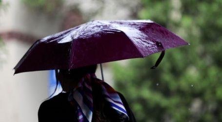 Ισχυρές βροχές με κατά τόπους χαλαζοπτώσεις το πρωί στη Βόρεια Ελλάδα