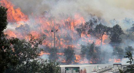 Εκτός ελέγχου μαίνεται η πυρκαγιά στην Καταλονία