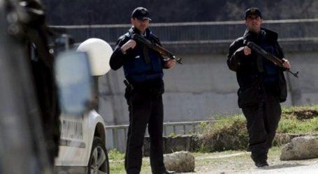 Τρεις αστυνομικοί και δύο πολίτες τραυματίσθηκαν από την επίθεση καμικάζι
