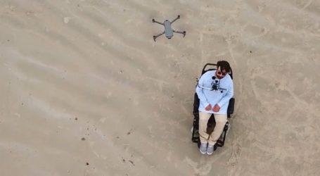 """Πώς ένας άνδρας με κινητικά προβλήματα """"φτάνει εκεί που δεν μπορεί"""" χάρη στο drone του"""