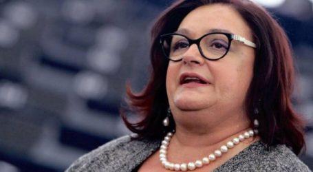 Δεν μπορεί να τελεί υπό εκβιασμό μια κυβέρνηση, απαντά η Μ. Γιαννάκου στα περί ψήφου ανοχής του ΚΙΝΑΛ