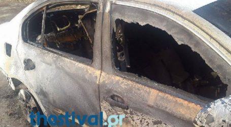 Οδηγός σώθηκε από φλεγόμενο αυτοκίνητο και συνελήφθη στη Χαλκιδική