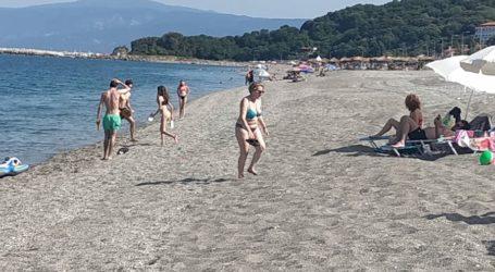 Γέμισαν οι παραλίες της Λάρισας – επιτέλους καλοκαίρι! (φωτό)