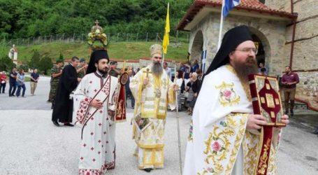 Εκατοντάδες προσκυνητές στην Ι. Μονή Αγίας Τριάδος Σπαρμού Ολύμπου (φωτο)