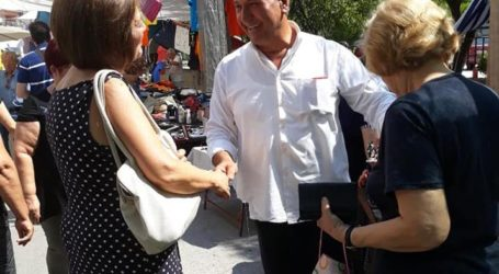 Επίσκεψη Χρυσοβελώνη στη λαϊκή αγορά του Σαββάτου