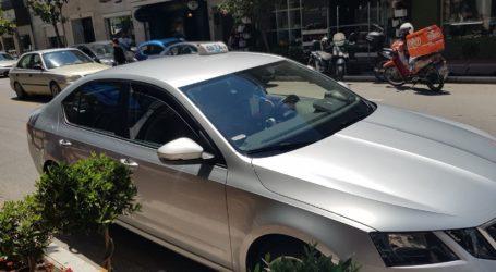 Καταδικάζει ο πρόεδρος των οδηγών ταξί