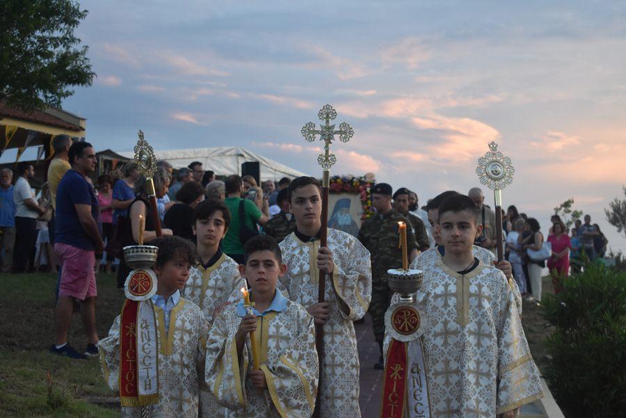 Τα ιερά λείψανα του Αγίου Λουκά του Ιατρού υποδέχθηκε η Λάρισα - Λιτάνευση της εικόνας του στο Πανεπιστημιακό (φωτο)