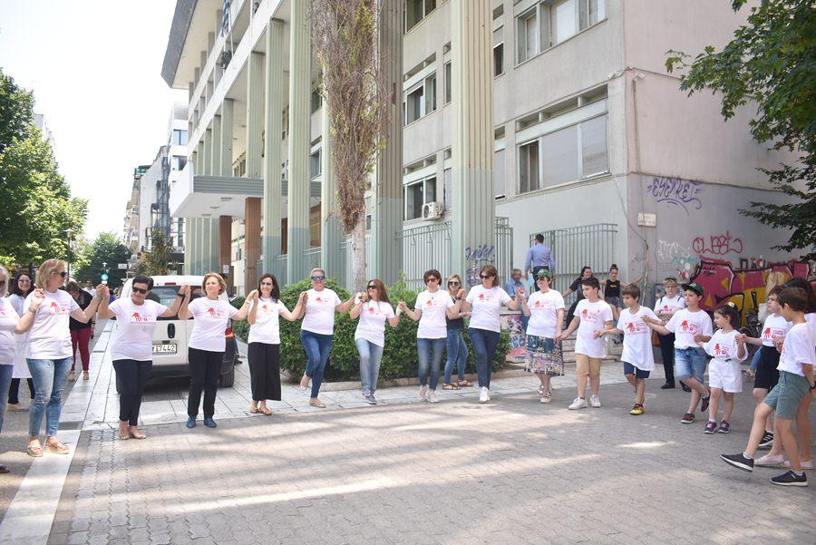 Μήνυμα ζωής μέσα από τον χορό στην Κεντρική πλατεία της Λάρισας (φωτο - βίντεο)