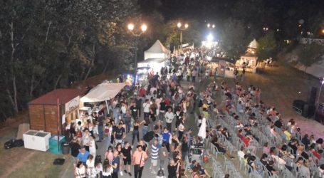 Γεμίζει ασφυκτικά το ποτάμι για το Φεστιβάλ Πηνειού – Ξεκίνησαν οι πρώτες συναυλίες (φωτο – βίντεο)