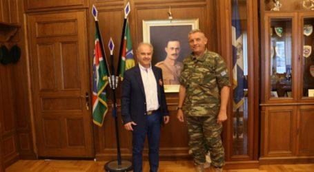 Εθιμοτυπική επίσκεψη Μανώλη στην 1η Στρατιά