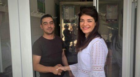 Χαμόγελα και ευχές στην Αθηνά Σιαφαρίκα από τους κατοίκους σε Κρανιά-Λουτρό