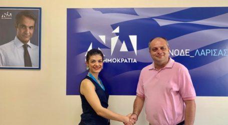 Με τον πρόεδρο της ΝΟΔΕ Λάρισας η Αθηνά Σιαφαρίκα
