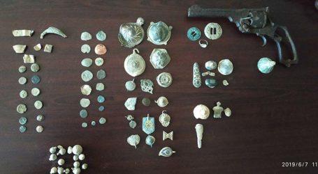 Έπιασαν αρχαιοκάπηλο με αμύθητης αξίας θησαυρό στον Τύρναβο! (φωτό)