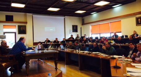 Βόλος: Κόντρα για τον ηλεκτροφωτισμό στο δημοτικό συμβούλιο