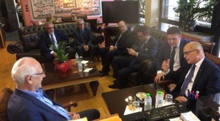 Περιφερειάρχη, δήμαρχο και την ΕΔΑ ΘΕΣΣ στη Λάρισα επισκέφθηκε ο πρέσβης Ιταλίας (φωτο)