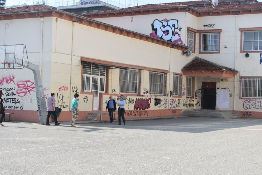 Υποτονική η …κίνηση στις κάλπες το πρωί της Κυριακής στη Λάρισα (φωτο)
