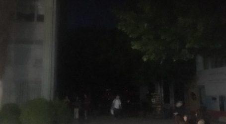 Στο σκοτάδι μεγάλο μέρος της Λάρισας – Ζημιά σε 20 υποσταθμούς! Με κεράκια στις καφετέριες (φωτο)