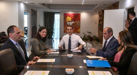 Στο υπουργείο Παιδείας ο πρωθυπουργός Κυριάκος Μητσοτάκης