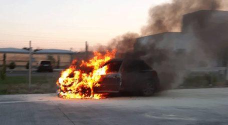 Αυτοκίνητο τυλίχθηκε στις φλόγες στα διόδια στο Μοσχοχώρι