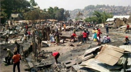 Ένα κοριτσάκι σκοτώθηκε, δεκάδες σπίτια κάηκαν σε μεγάλη πυρκαγιά στο Μπουκάβου