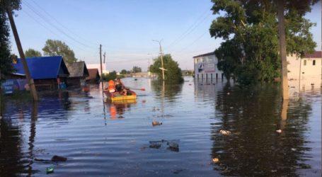 12 νεκροί, 9 αγνοούμενοι και 751 τραυματίες μετά τις σαρωτικές πλημμύρες στην περιοχή της λίμνης Βαϊκάλης
