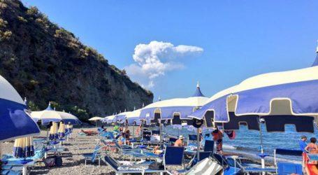 LIVE: Ενεργοποιήθηκε το ηφαίστειο στο νησί Στρόμπολι της Ιταλίας