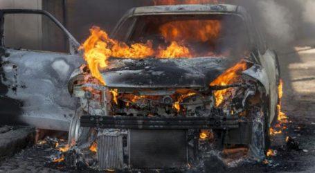 Στις φλόγες τυλίχτηκε ταξί στην Αγία Βαρβάρα