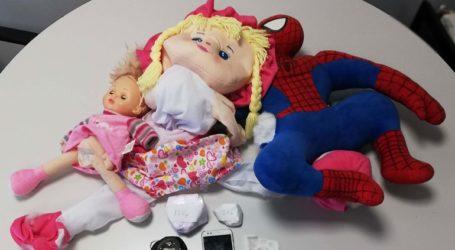 Έκρυβαν την κοκαΐνη σε παιδικές κούκλες