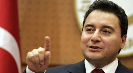 Ο Αλί Μπαμπατζάν παραιτήθηκε από την ιδρυτική ομάδα του τουρκικού κυβερνώντος κόμματος AKP