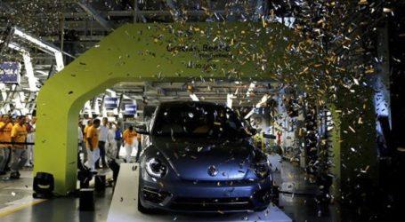 Ο τελευταίος «σκαραβαίος» βγήκε από το εργοστάσιο της Volkswagen