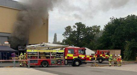 Στις φλόγες το στούντιο της Warner Bros στα βόρεια του Λονδίνου
