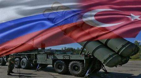 Το τουρκικό υπουργείο Άμυνας έδωσε στη δημοσιότητα τις πρώτες φωτογραφίες με την άφιξη των S-400