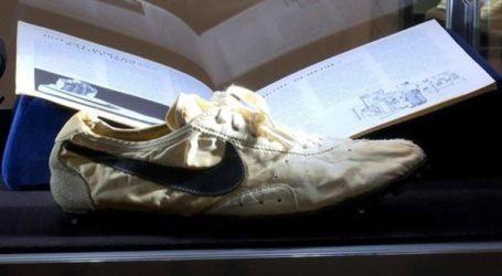 Ο οίκος Sotheby's βγάζει για πρώτη φορά σε δημοπρασία αθλητικά παπούτσια
