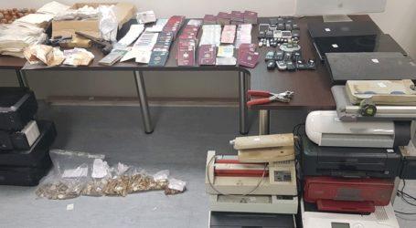 Ηλιούπολη: Συνελήφθη 50χρονος για πλαστογραφία