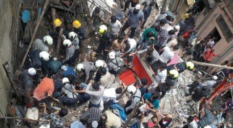 Δεκάδες άνθρωποι παγιδευμένοι μετά την κατάρρευση τετραώροφου κτιρίου