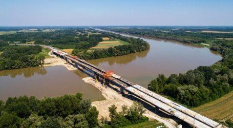 Κροατία και Βοσνία-Ερζεγοβίνη κατασκευάζουν γέφυρα στον ποταμό Σάβα