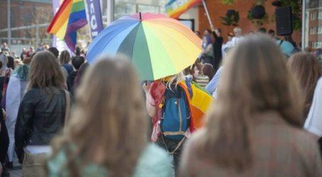 Έρευνα σε υπαλλήλους που επέτρεψαν υιοθεσία από ομοφυλόφιλο ζευγάρι