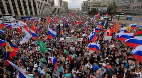 Χιλιάδες διαδηλωτές διαμαρτύρονται στη Ρωσία για τον αποκλεισμό υποψηφίων της αντιπολίτευσης, από τοπικές εκλογές