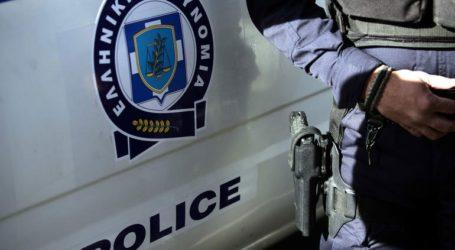Πολυμελής ομάδα ατόμων επιτέθηκε σε αστυνομικούς στο κέντρο της Αθήνας