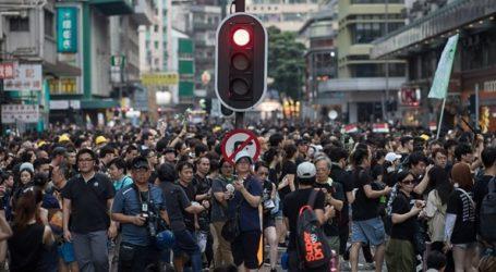 Η αστυνομία έκανε χρήση δακρυγόνων για να διαλύσει διαδηλωτές