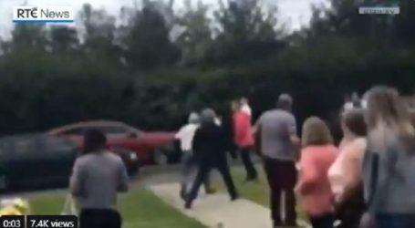 Αυτοκίνητο έπεσε πάνω σε πεζούς σε νεκροταφείο