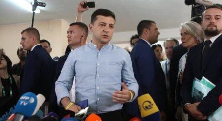 Νίκη για το κόμμα του προέδρου Ζελένσκι στις πρόωρες βουλευτικές εκλογές